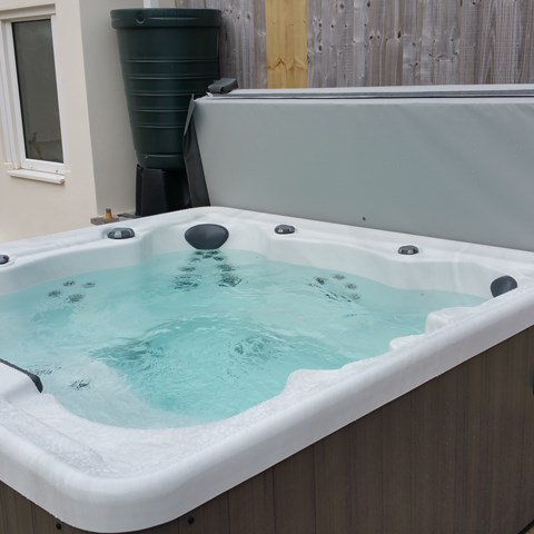 Swimming Pool Hot Tub And Sauna Projects Cardiff Swansea South Wales Bos Leisure