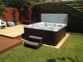 Caldera Hot Tub Bridgend, south Wales