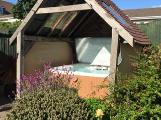 Marquis Epic Spa with Oak Enclosure, Penhow, south Wales